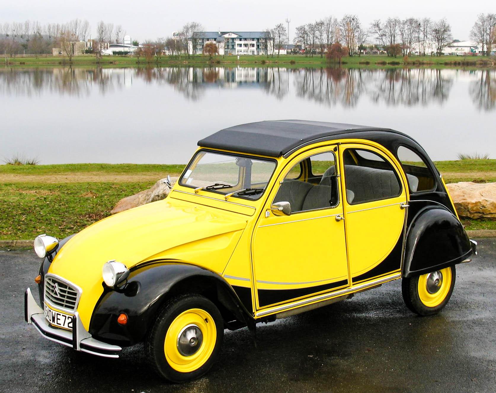 2cvimports-2cv-citroen-charleston.jpg
